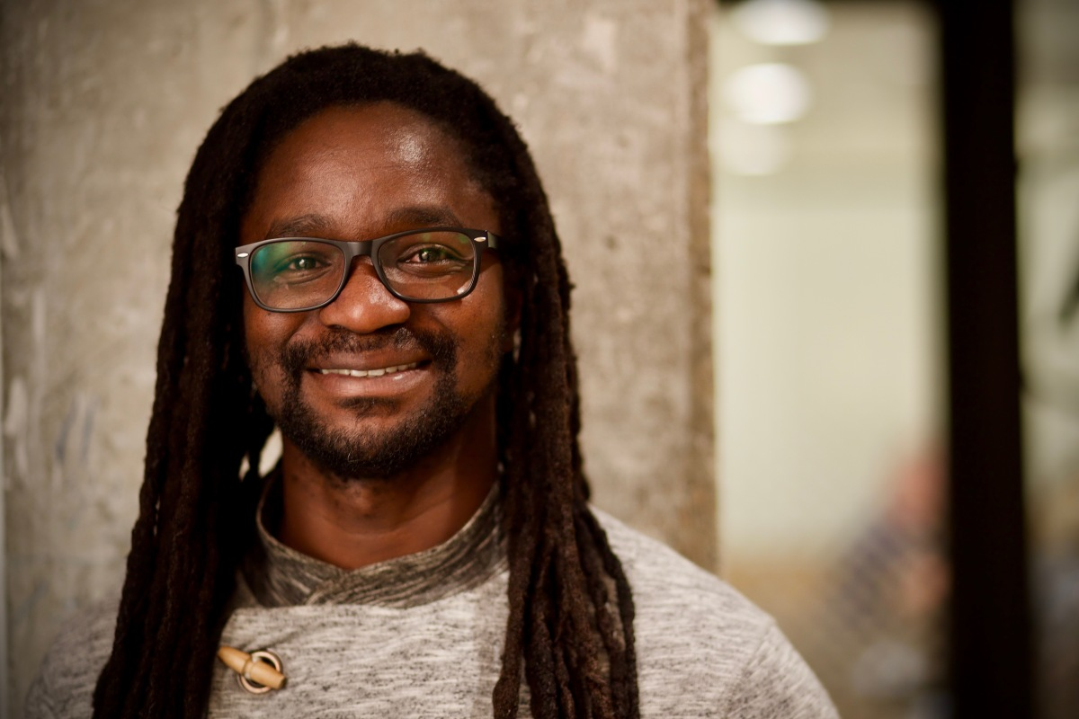 Simon Okelo – Turning Orphanages Into Creative Hubs (Ignite Seattle 40)